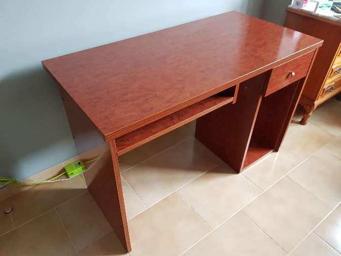 Imagen producto Mesa escritorio estudio madera cerezo 5