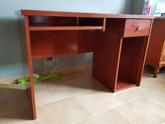 Imagen producto Mesa escritorio estudio madera cerezo 1