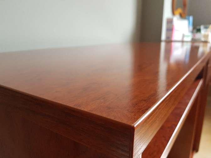 Imagen producto Mesa escritorio estudio madera cerezo 4