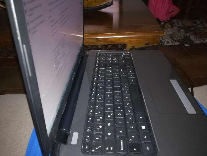 Imagen portatil HP Compaq