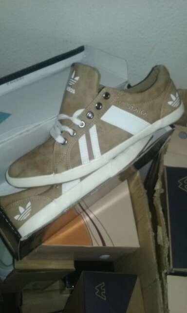 Imagen zapatillas adidas utimos pares