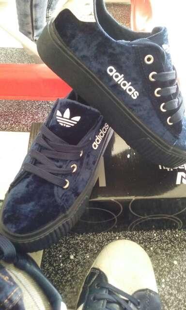 Imagen zapatillas ultimas tallas