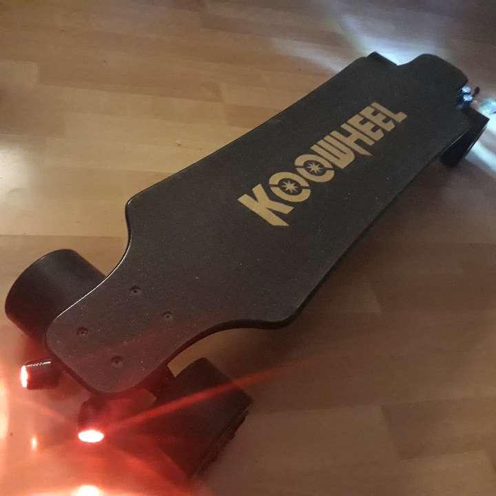 Imagen longboard eléctrico Koowheel
