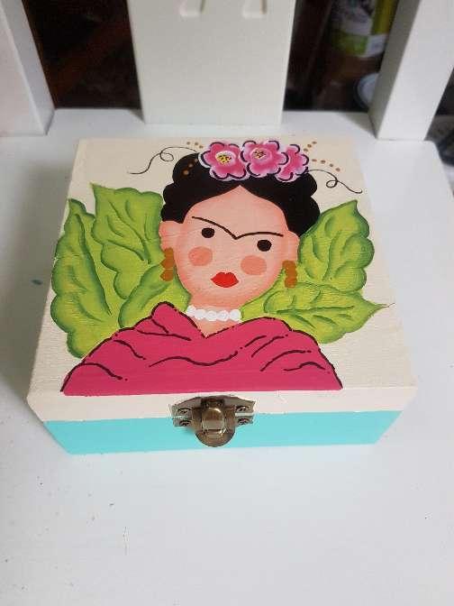 Imagen producto Cajas de madera frida kahlo 10