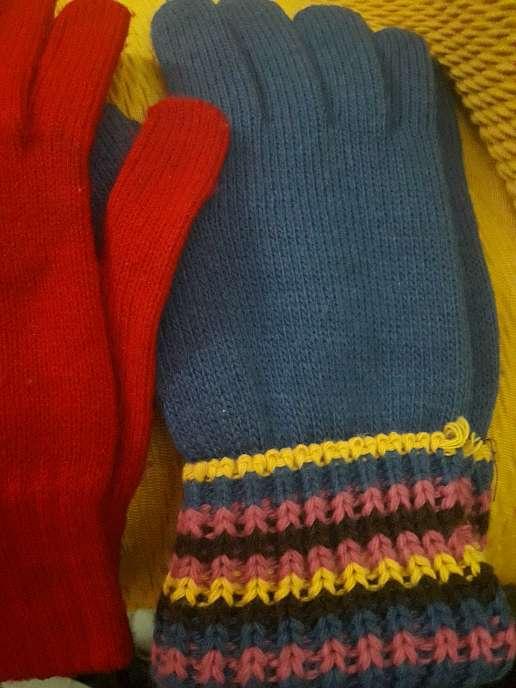 Imagen guantes de varios colores