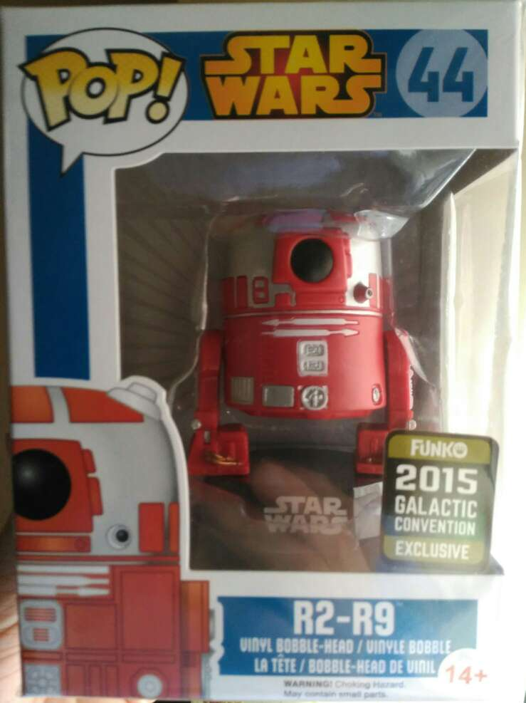 Imagen Funko pop R2-R9 de Star Wars de la convención galactica de 2015.