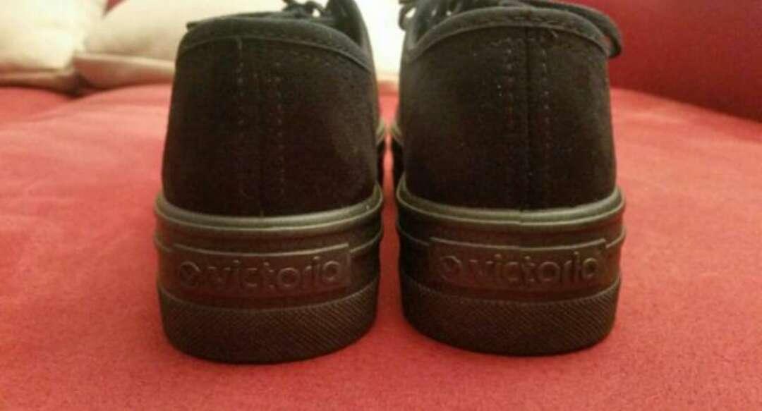 Imagen producto Zapatillas Victoria 1