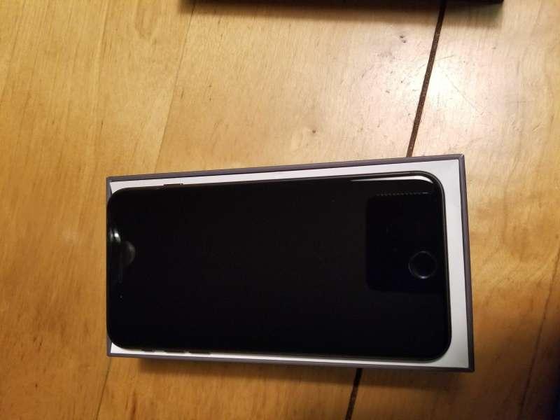 Imagen producto IPhone 8 plus 7