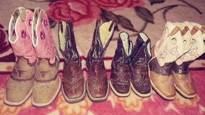 Imagen botas todas en buenas condiciones