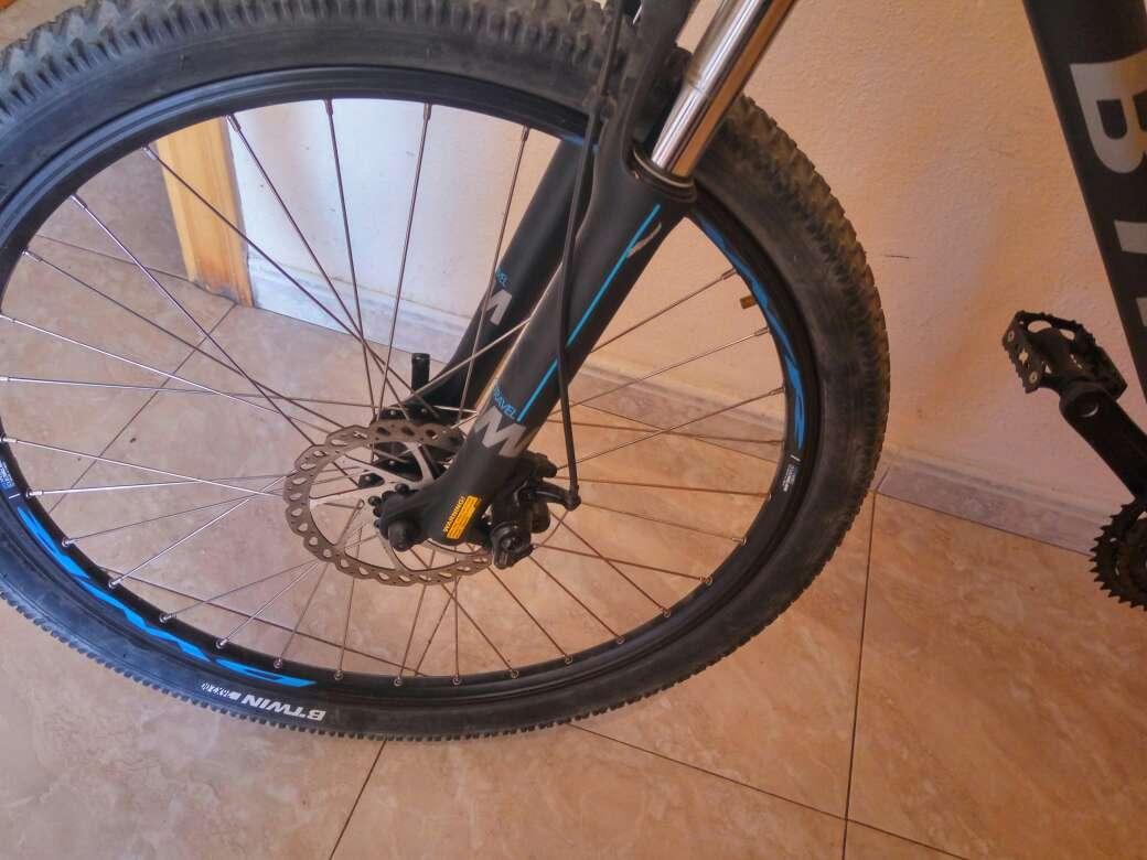 Imagen producto Bicicleta btwin 520 seminueva 2