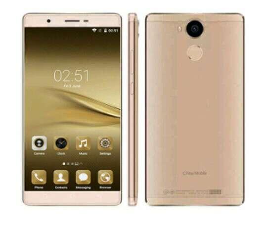 Imagen producto Smartphone oro con caja 4