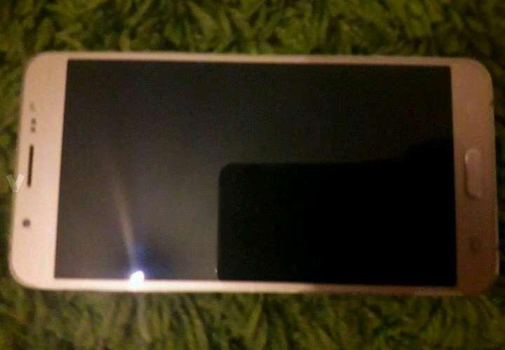 Imagen producto Samsung galaxy j7 seminuevo 2