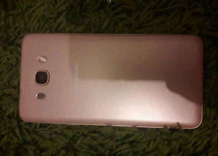 Imagen producto Samsung galaxy j7 seminuevo 5