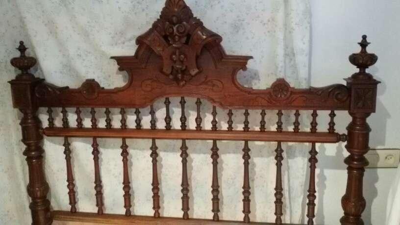 Imagen cama antigua