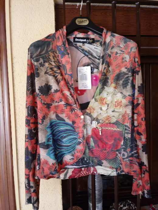 Imagen chaqueta desigual
