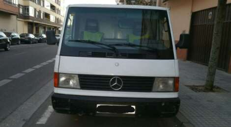 Imagen Mercedes MB 100.