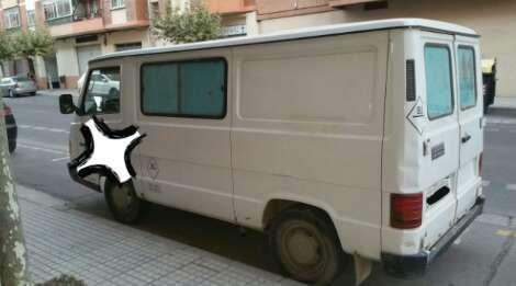 Imagen producto Mercedes MB 100. 2