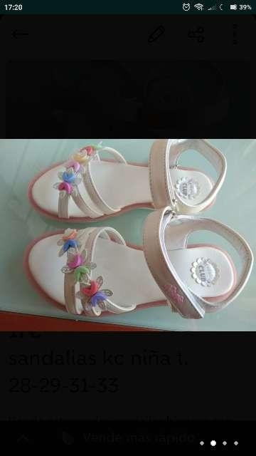 Imagen producto Sandalias blancas t. 28-29-31-33 nuevas  2