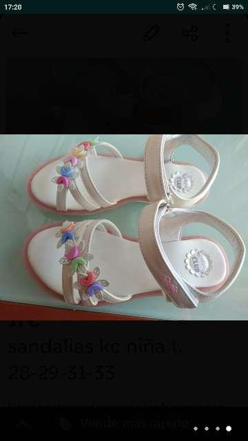 Imagen Sandalias blancas t. 28-29-31-33 nuevas