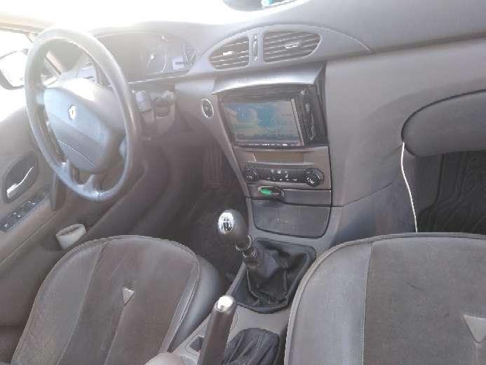 Imagen producto Renault grande laguna 2.2dci_150cv 3