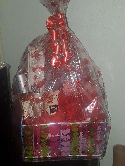 Imagen producto Cesta San Valentín  3