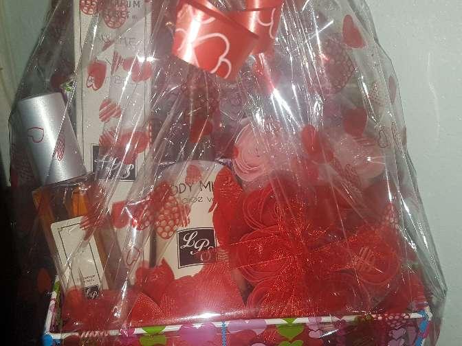 Imagen producto Cesta San Valentín  2