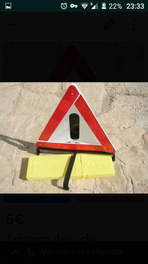 Imagen Par de triangulo de se segurodad vial