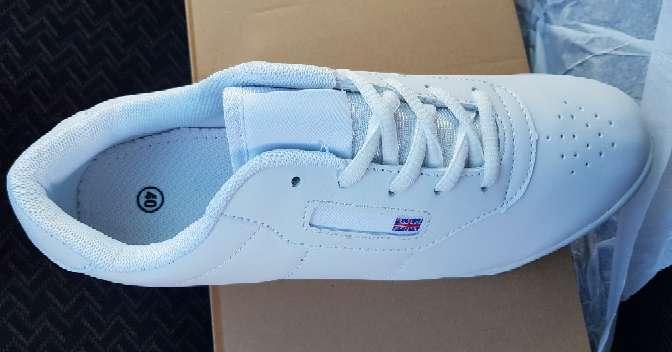Imagen producto Zapatillas deportivas nuevas en blanco  2