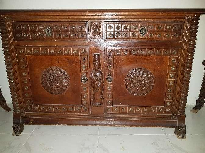 Imagen recibidor antiguo con talla artesanal 100 hacme una oferta