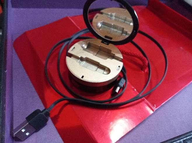 Imagen producto Regalo original Día de la Madre cable cargador bolso o viaje con espejo, tipo C 5