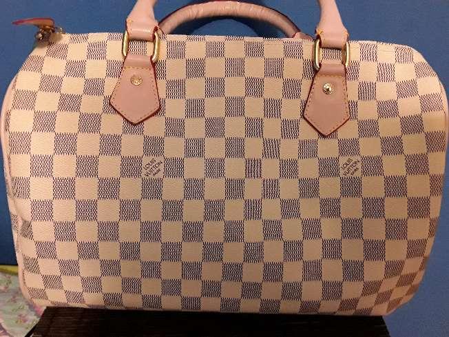Imagen Bolso Louis Vuitton blanco