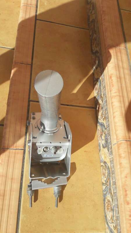 Imagen motor de antena parabólica