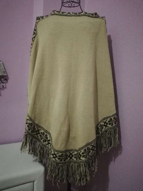 Imagen producto Ponchos mujer 2