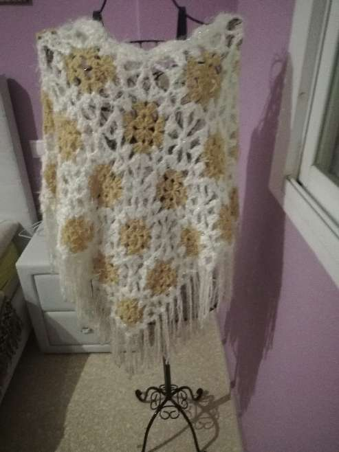 Imagen producto Ponchos mujer 1