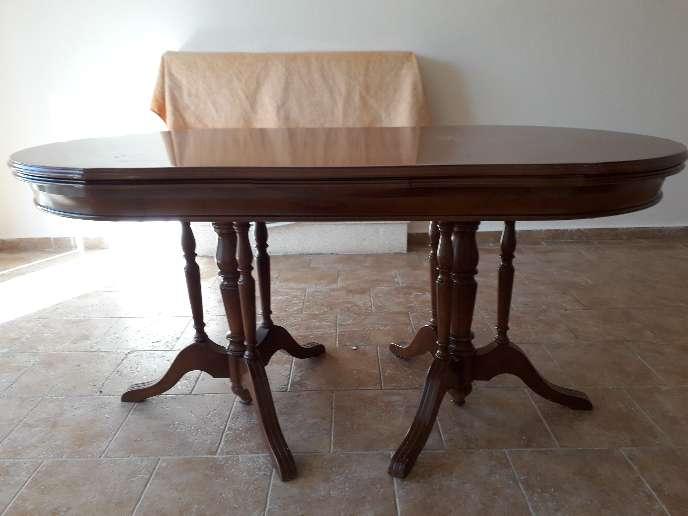 Imagen Mesa de salón más tres sillas