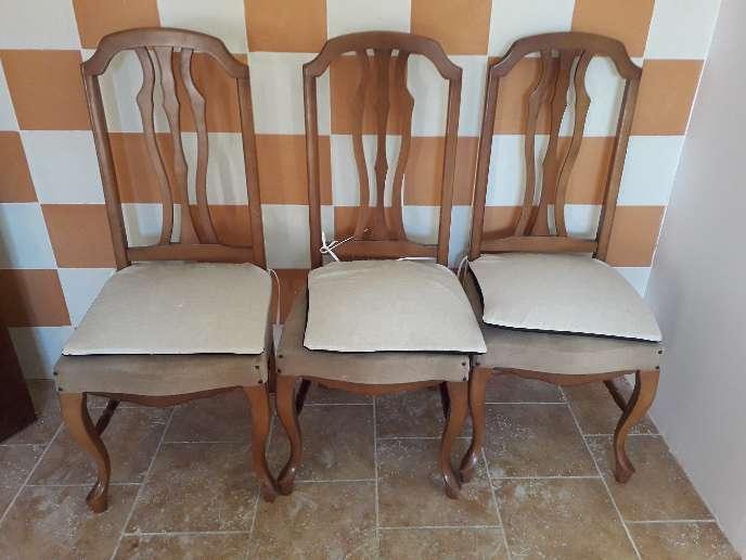 Imagen producto Mesa de salón más tres sillas 2