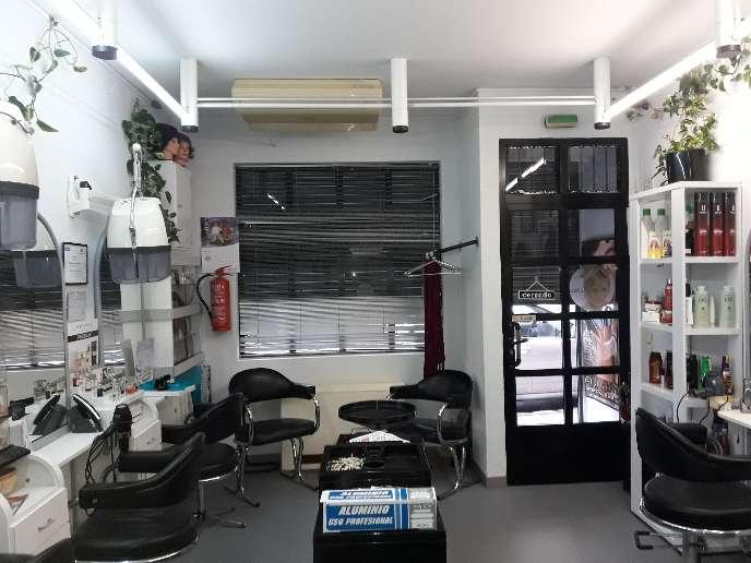Imagen producto Se alquila peluqueria por  5