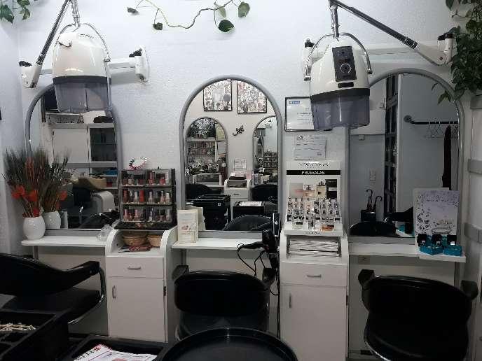 Imagen producto Se alquila peluqueria por  3