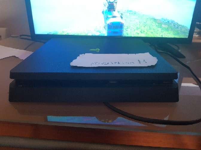 Imagen Ps4 1TB + 2 mandos + 2 juegos
