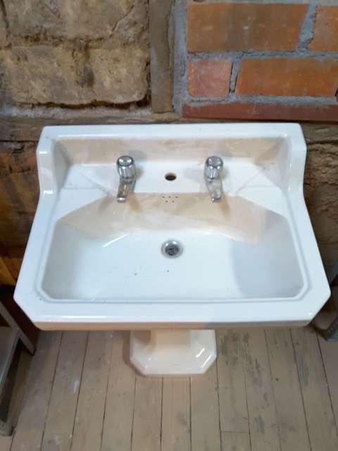Imagen Lavabo de baño antiguo