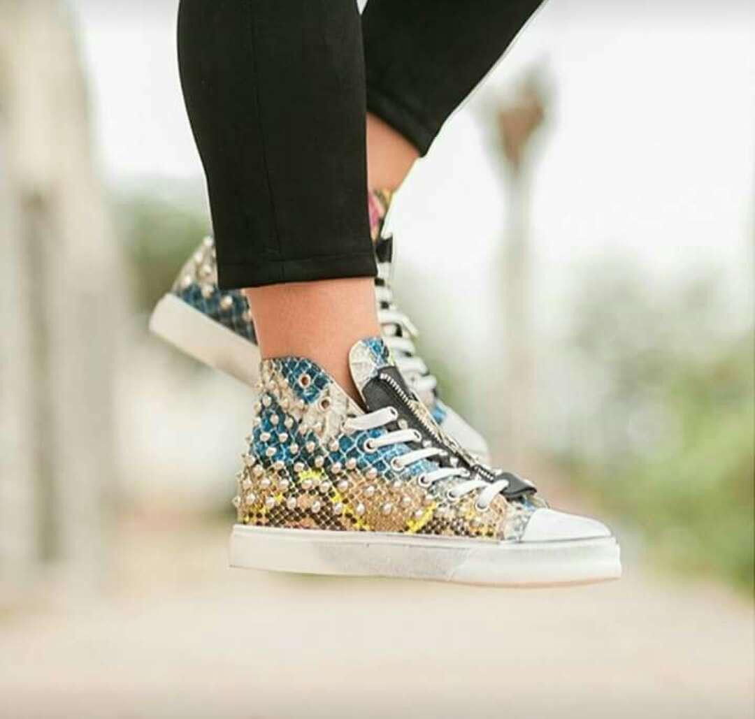 Imagen producto Zapatillas mujer 2