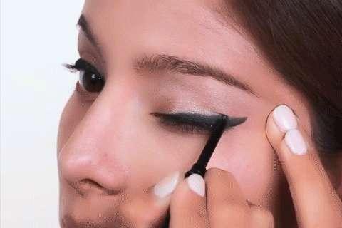 Imagen producto Deliniador de ojos tono negro mary kay 2