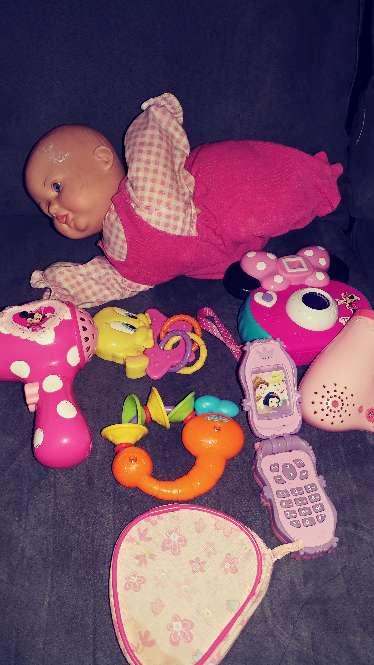 Imagen producto Juguetes de vateria la muñeca gatea y abla no ilclulle vateria ala muñeca  2