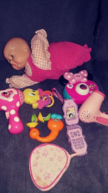 Imagen producto Juguetes de vateria la muñeca gatea y abla no ilclulle vateria ala muñeca  3
