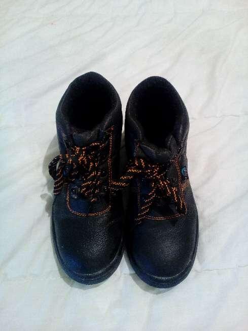 Imagen botas de seguridad,40