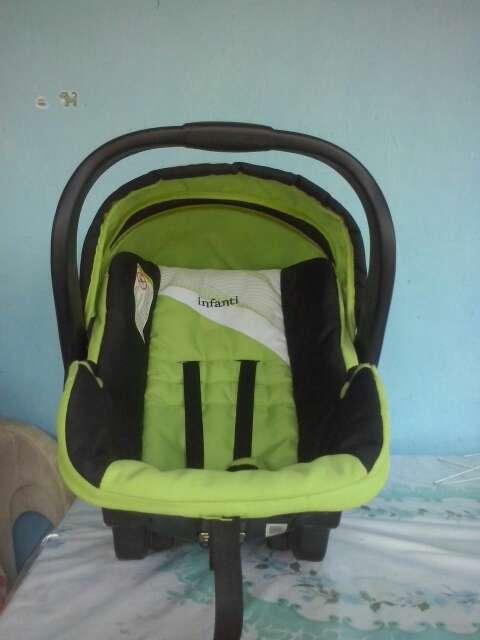 Imagen Silla de auto para bebé