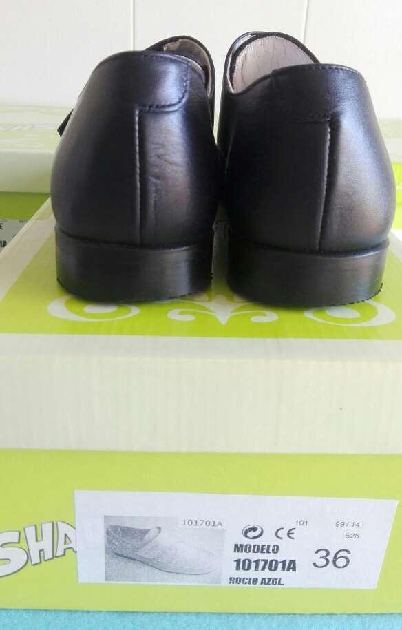 Imagen producto Zapatos niños comunión piel. Talla 35-36-37-38 Azul ,beige y blanco . 2