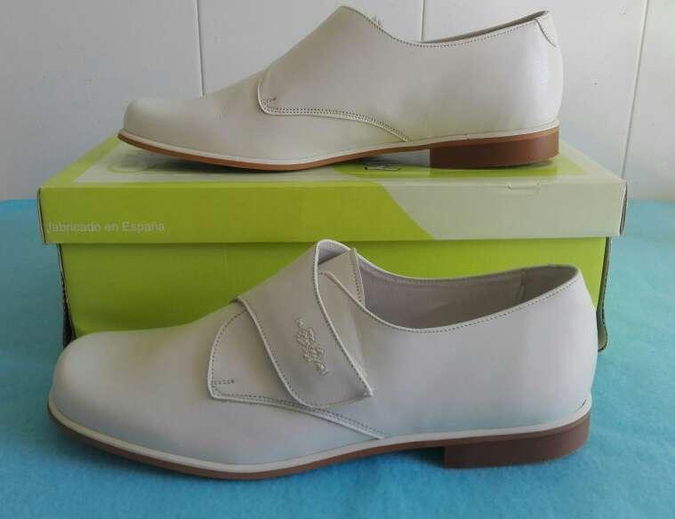 Imagen producto Zapatos niños comunión piel. Talla 35-36-37-38 Azul ,beige y blanco . 4