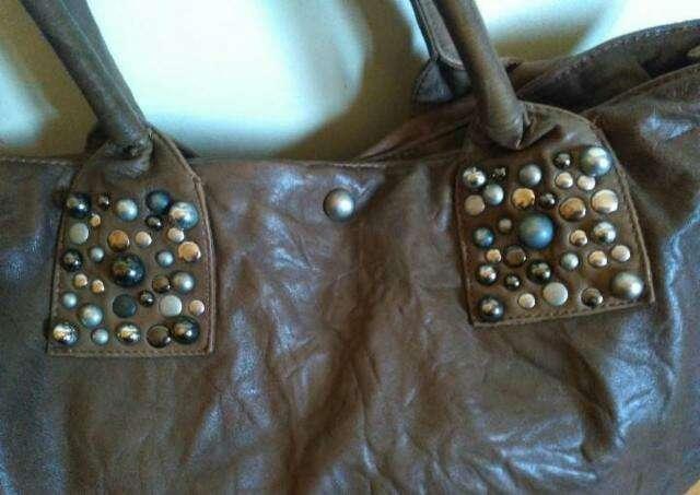 Imagen producto Bolso piel tachuelas de Sara  Berman 2
