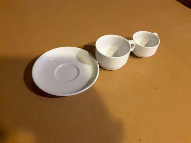 Imagen Tazas y platos de café hostelería